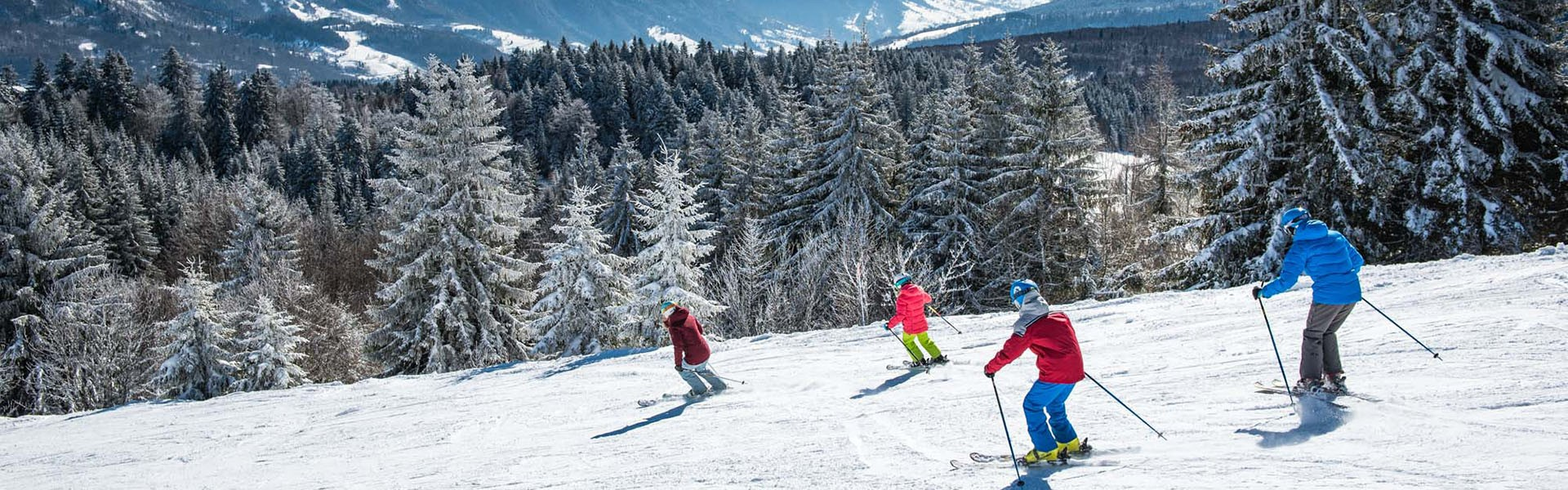 homesgr-ski-alpin-famille-2018-la-feclaz-bd-savoie-grand-revard-peignee-verticale-t-nalet-jpg-10-412