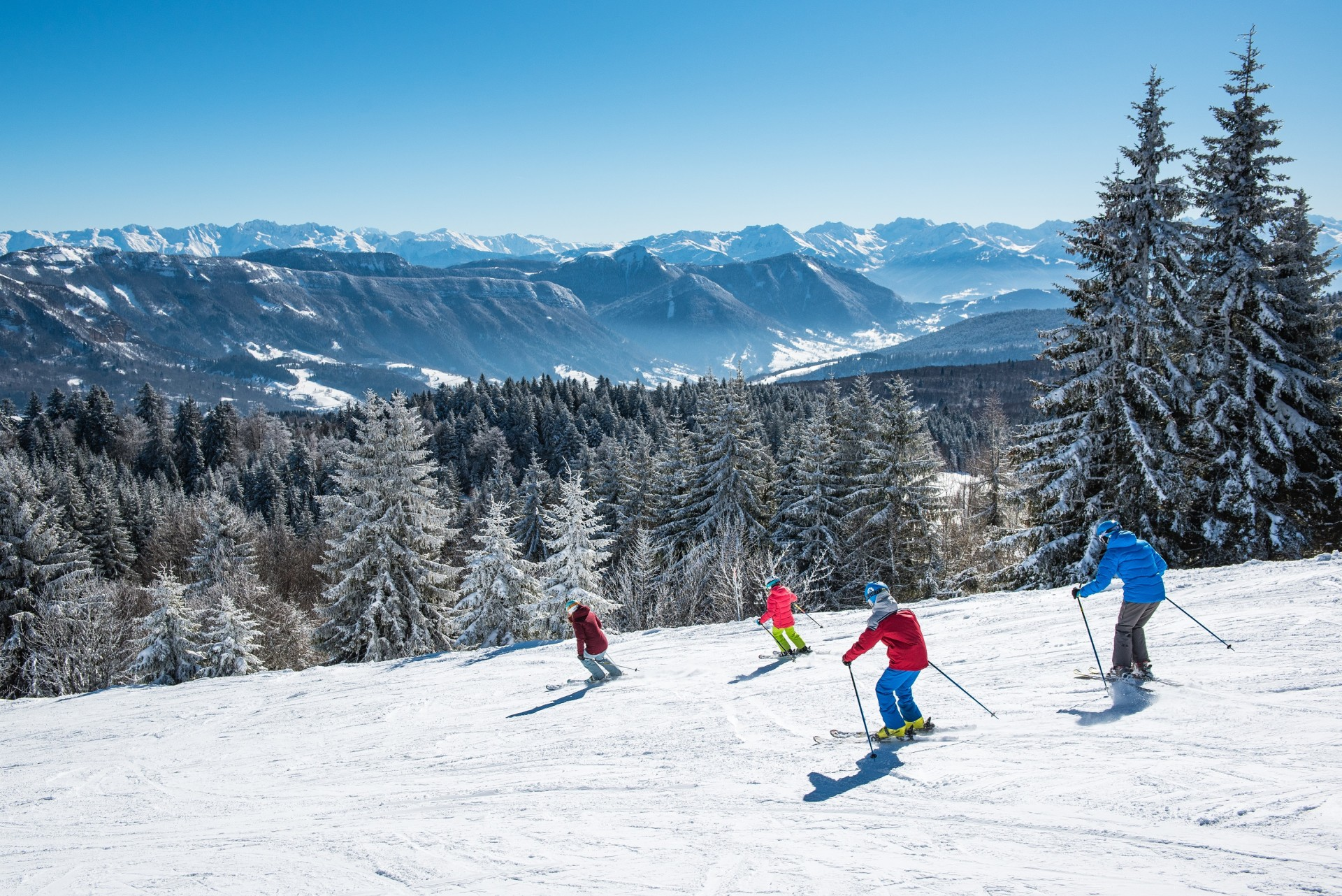 ski-alpin-famille-la-feclaz-hd-savoie-grand-revard-peignee-verticale-t-nalet-10-435