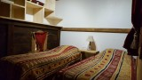Une autre des 4 chambres de l'étage avec 2 lits simple